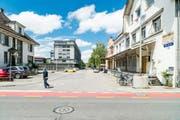 An der Industriestrasse soll ein neues Wohn- und Arbeitsquartier entstehen. Vorgesehen sind 160 Wohnungen und 200 Arbeitsplätze. (Archivbild Roger Grütter)