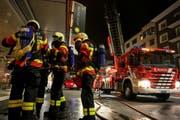Der Atemschutztrupp der FFZ im Einsatz. (Bild: Freiwillige Feuerwehr Zug)