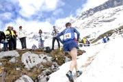 Bergläufer 2006 in der Balmwand. Diese Herausforderung gilt es voraussichtlich, auch am Sonntag wieder zu meistern. (Bild: Archiv/Neue UZ)