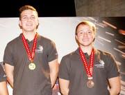 Schweizer Meister Joel Erni (links) und Bronzemedaillengewinner bei der Siegerehrung in Martigny. (Bild: PD/Apimedia)