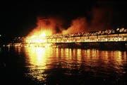 Die Kapellbrücke brannte am 18. August 1993 ab. (Archivbild Neue LZ)