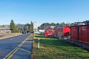 Der Installationsplatz für die Baustelle (rechts im Bild) ist bereits eingerichtet. (Bild Maria Schmid)