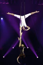 Das Duo «Desire of Flight»: Valeriy Sychev hält Malvina Abakarova. (Archivbild: PD / Circus Knie)
