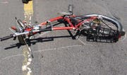 Der Velofahrer wurde auf dem radweg angefahren und verletzt. (Symbolbild Neue LZ)
