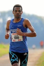Tadesse Abraham läuft auf der Halbmarathon-Distanz des Hallwilerseelaufes zum Sieg. (Bild: Andy Mettler (swiss-image.ch))