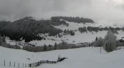 Im Ybrig sind grosse weisse Flächen zu sehen. (Bild: Webcam Ybrig (Ybrig, 6. November 2017))