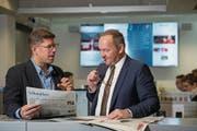 Chefredaktor Jérôme Martinu im Gespräch mit Nationalratspräsident Jürg Stahl (SVP). (Bild: Dominik Wunderli (Luzern, 13. November 2017))