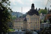 Der Suva-Hauptsitz in Luzern. (Bild: Boris Bürgisser/Neue LZ)