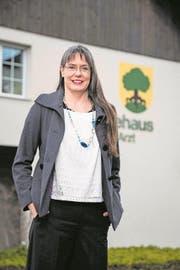 Sandra Gerber vor dem Buchrainer Gemeindehaus. (Bild: Philipp Schmidli (1. Februar 2018))