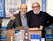 Ueli Breitschmid, Inhaber der Curaden International AG (rechts), und der Leiter Forschung und Entwicklung, Mathias Mütsch, hier eine Aufnahme aus dem Jahr 2013, sind auf Expansionskurs. (Bild: PD)
