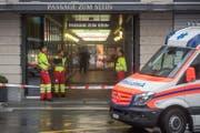 Im Einsatz stand auch der Rettungsdienst vom Kantonsspital Luzern. (Bild: Boris Bürgisser (Luzern, 10. September 2017))