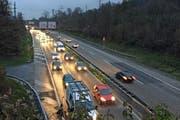 Auf der A14 zwischen der Verzweigung Rotsee und Buchrain führt das Bundesamt für Strassen Belagsarbeiten aus. (Bild: René Meier)