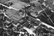 Der ehemalige Schornstein der Schappe-Fabrik der Bell Maschinenbau AG in Kriens. Der Kamin wurde 1976 abgetragen. (Bild: PD)