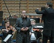 Countertenor Stefan Wieland, begleitet vom Luzerner Sinfonieorchester, überzeugte mit Virtuosität und Charme. (Bild: Pius Amrein (28. Juni 2017))