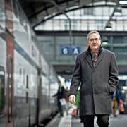 Für Regierungspräsident Robert Küng (57) muss der Bahnhof Luzern (Bild) um den Tiefbahnhof erweitert werden. (Bild Pius Amrein)