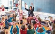 Luzerner Lehrer und Schüler erhalten ab dem kommenden Schuljahr einen Ferientag mehr. (Bild: Christian Beutler/Keystone (25. September 2014))