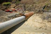 Die Trinkwasser-Druckleitung wird eingezogen. (Bild: PD)