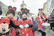Diese herzige Minnie-Mouse-Gruppe hat sichtlich Spass an der fünften Jahreszeit. (Bild: Urs Hanhart (Altdorf, 23. Februar 2017))