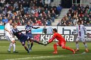Sollen am Samstag erstmals am Samstag gegeneinander antreten: FC Luzern gegen FC Basel (Symbolbild). (Bild: Philipp Schmidli / Neue LZ)