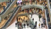 Ab heute Alltag: In der Mall of Switzerland kehrt Leben ein. (Bild: Jonas von Flüe (Ebikon, 8. November 2017))