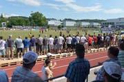 Cupstimmung auf dem Sportplatz Prehl anlässlich der Partie zwische dem FC Murten und dem FC Luzern. (Bild: Keystone)