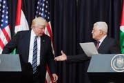 US-Präsident Donald Trump und Palästinenserpräsident Mahmud Abbas im Mai 2017 in Bethlehem. (Bild: Atef Safadi / Keystone (Bethlehem, 23. Mai 2017))