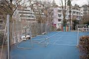 In den Sportferien ist das Trampolin beim Schulhaus Maria Opferung abmontiert worden. (Bild: Maria Schmid (Zug, 19. Februar 2018))