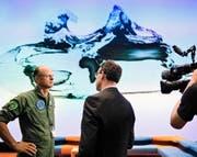 Felix Stoffel, Chef Berufsfliegerkorps, beantwortete Fragen zum abgestürzten F/A-18 an der gestrigen Medienkonferenz in Bern. (Bild: Keystone/Manuel Lopez)