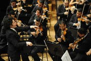 Im März 2010 dirigierte Gustavo Dudamel das Orquesta Sinfónica de la Juventud Venezolana Simón Bolívar am Lucerne Festival zu Ostern im KKL in Luzern. (Bild: Boris Bürgisser/LZ (Luzern, 20. März 2010))
