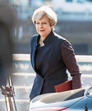 Mit einem Lächeln in Schottland: Premierministerin Theresa May. Bild: Robert Perry/EPA (Glasgow, 27. März 2017)