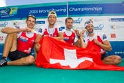 Die Athleten strahlen danach mit Gold um den Hals um die Wette. (Bild: AP/Laurent Cipriani und EPA/Olivier Anrigo)