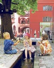 Freiburg mit seinen Bächle ist immer eine Reise wert. In der warmen Jahreszeit verströmt die Stadt ein geradezu mediterranes Flair.