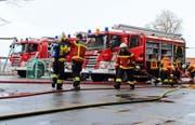 Die Feuerwehr war wegen eines Brandes in einem Jugendraum an der Artherstrasse alarmiert worden. (Bild: FFZ)