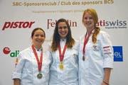 Rang 3 für Eliane Bachmann aus Hohenrain (rechts) in der Kategorie Bäckerei-Konditorei. (Bild PD)