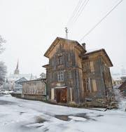 Das Alte Bahnhöfli würde im Verkaufsfall saniert oder abgerissen. (Bild: Maria Schmid (Oberägeri, 1. Februar 2018))