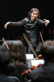Elim Chan bei ihrem Auftritt im Luzerner Saal. (Bild LF/Patrick Hürlimann)