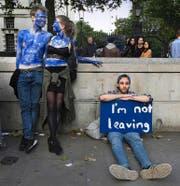 Junge Briten demonstrierten am Freitag in London gegen den Entscheid zum Brexit. (Bild: Getty)
