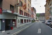 Schliesst per Ende Oktober: Das Hotel Rothaus in der Klosterstrasse in Luzern. (Bild: Google Streetview)