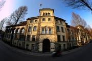 Ob künftig Strafbefehle eingesehen werden dürfen, wird das Kantonsgericht entscheiden. (Bild: Maria Schmid / Neue LZ (Archiv))
