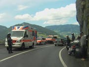Für kurze Zeit wurde der Verkehr einspurig geführt. (Bild: Leserbild Bote der Urschweiz)
