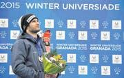 Der erfolgreichste Schweizer Universiade-Teilnehmer aller Zeiten: Sandro Boner bei der «Medal Ceremony» vergangenen Winter in Granada. (Bild Regula Schweizer)