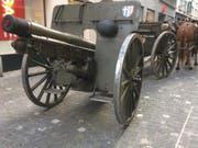 Die Kanone wurde von einer Kutsche gezogen. (Bild: Charleen Bretteville/LZ)