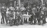 Die Escholzmatter beim Feldwettschiessen in Malters 1926. Amtsschützenvater Siegfried Schöpfer ist der Dritte von links stehend. (Bild: PD)