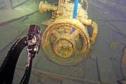 Der Petrolmotor des Transportschiffs «Flora» liegt vorläufig noch am Grund des Küssnachtersees. (Bild PD)