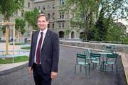 Thomas Egger vor dem Bundeshau: Als Lobbyist kennt er sich in Bern aus. (Bild: Urs Lindt/Freshfocus (13. Juni 2017))