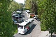 Sie passen den Mitgliedern der Juso nicht: Carparkplätze beim Inseli. (Bild Boris Bürgisser)
