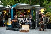 So wie hier auf dem Inseli während des Lucerne Festival, soll auch beim Reusszopf eine Sommerbar betrieben werden. (Archivbild Corinne Glanzmann)