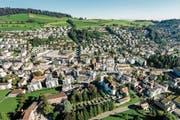 Rein optisch ist Kriens schon längst kein Dorf mehr – doch qualifiziert sich die Gemeinde als Stadt? (Bild: Philipp Schmidli (Kriens, 27. August 2016))