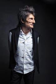 Die Rolling Stones haben ihre musikalischen Einflüsse nie versteckt. Ronnie Wood, ... (Bild: Victoria Will/AP)