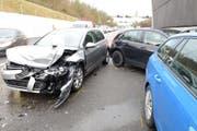 Die Unfallstelle auf der Autobahn A14: Mehrere Autos sind miteinander kollidiert. (Bild: Luzerner Zeitung)